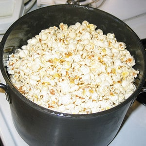 Traditional Stovetop Popcorn How To Make Popcorn